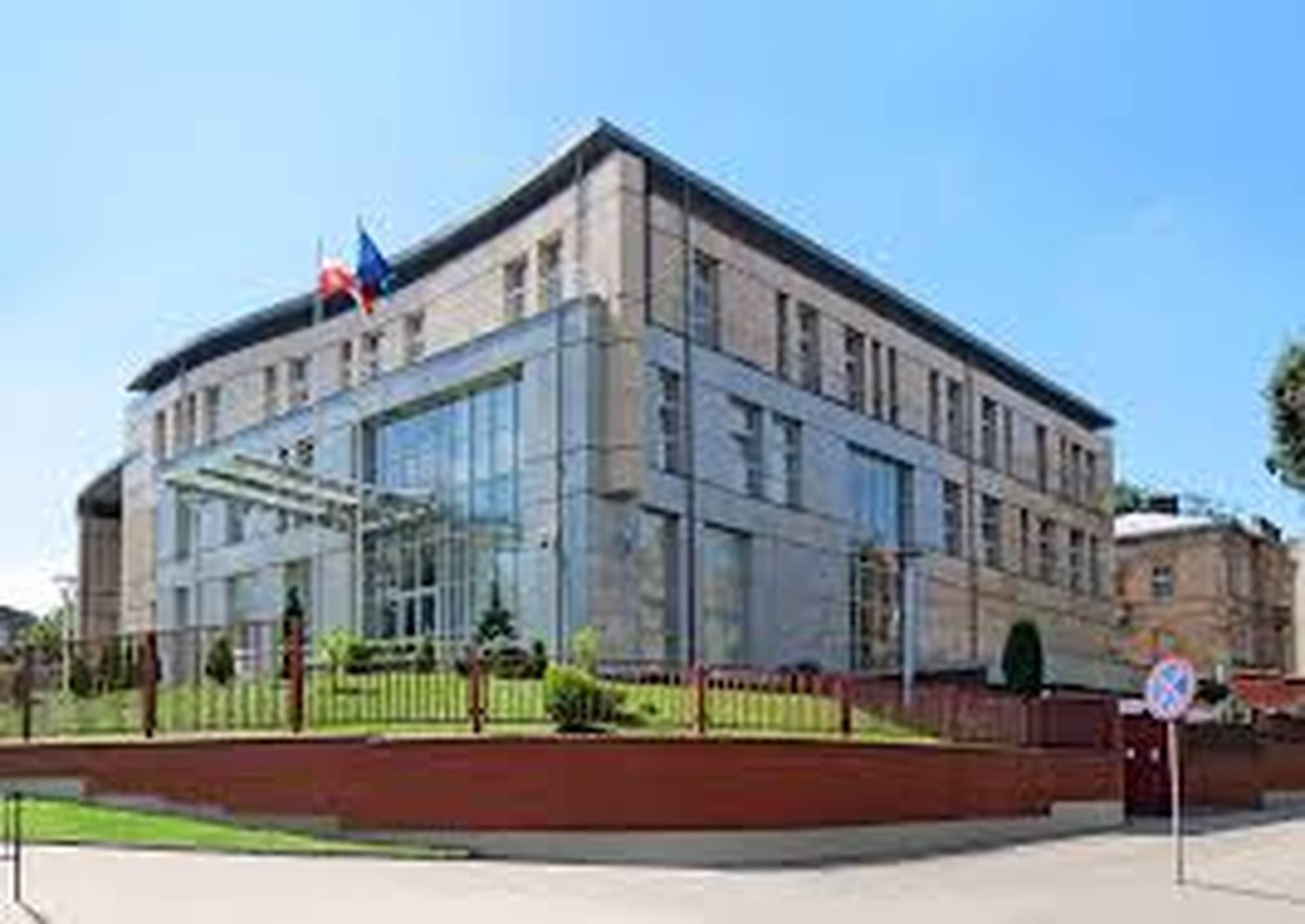 Консульские отделы посольства Польши в Украине.